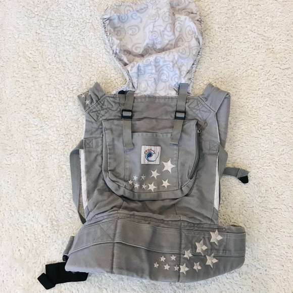ERGObaby Carrier Gray Stars